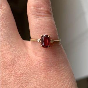 Vintage 10K Gold Ring with Garnet Gem